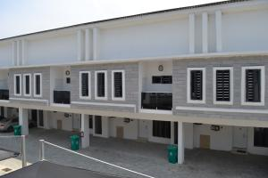 4 bedroom House for sale Orchid Road Lafiaji  chevron Lekki Lagos