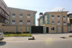 4 bedroom Terraced Duplex House for sale Lekki RIght Lekki Lagos
