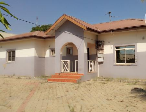 4 bedroom Detached Bungalow House for rent No.40 1 w road federal housing estate  Lugbe Abuja