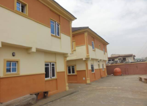 3 bedroom Flat / Apartment for sale - Mafoluku Oshodi Lagos