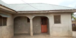 4 bedroom Blocks of Flats House for sale Oroki area oyo. Oyo Oyo