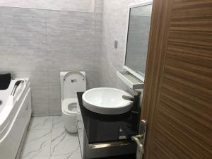 4 bedroom Detached Duplex House for sale osapa lekki Lekki Phase 2 Lekki Lagos