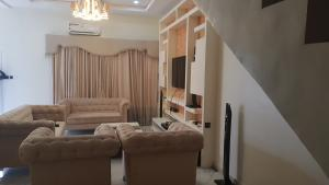 4 bedroom House for rent Orchid Hotel Area chevron Lekki Lagos