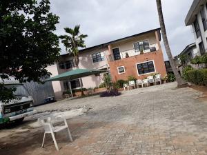 4 bedroom House for sale Anthony village  Bye pass Ilupeju Ilupeju Lagos