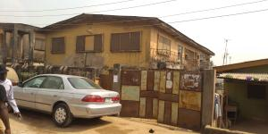 3 bedroom Blocks of Flats House for sale - Oworonshoki Gbagada Lagos - 0