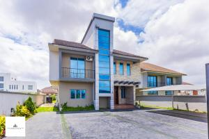 5 bedroom House for sale Pinnock Beach Estate  Osapa london Lekki Lagos