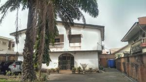 5 bedroom House for sale Zainab stret in Medina estate Medina Gbagada Lagos