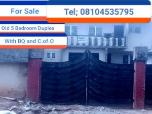 5 bedroom Detached Duplex House for sale Gius Idubor, Central road  Oredo Edo