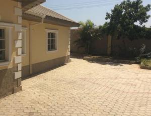 5 bedroom Flat / Apartment for sale  favwei, rayfield, Jos East Plateau