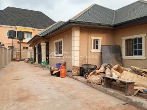 5 bedroom Flat / Apartment for sale Pz Road.,  Oredo Edo
