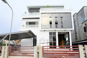5 bedroom House for sale Accadar Garden, Jakande Lekki Lagos