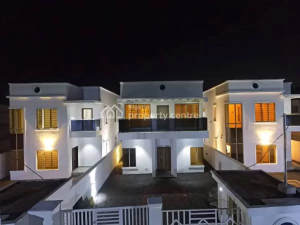 5 bedroom House for sale Addo Road    Ajah Lagos