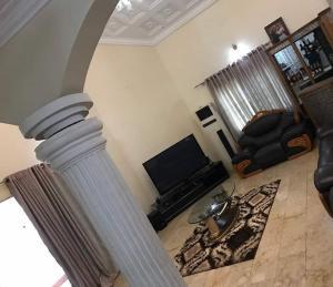 5 bedroom Terraced Duplex House for sale ojoo Akinyele Oyo