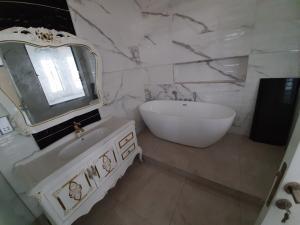 5 bedroom Detached Duplex House for sale lekki county homes estate ikota lekki Lekki Lagos