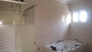 5 bedroom Terraced Duplex House for sale Mende Maryland Lagos