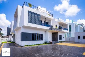 6 bedroom House for sale Pinnock Beach Estate  Osapa london Lekki Lagos