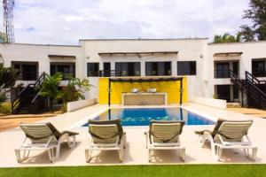 6 bedroom House for shortlet Ilashe Beach. Ajah Lagos