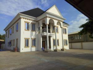 6 bedroom Massionette House for sale Omole phase 2 Ojodu Lagos