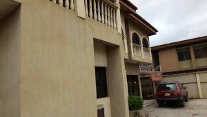 7 bedroom House for sale 11 ogunlana Street off egbeda bus/stop Lagos  Ogunlana Surulere Lagos
