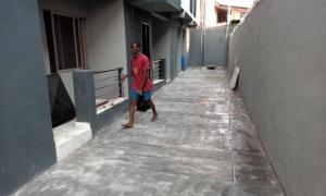 3 bedroom Flat / Apartment for rent Apata Street,  Fadeyi Shomolu Lagos