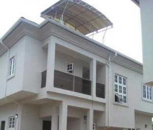 3 bedroom Terraced Duplex House for sale  Kobiowu Estate,  Iyanganku Ibadan Oyo