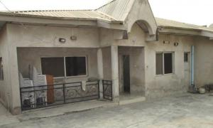 4 bedroom Detached Bungalow House for sale Kwara Quarters; Behind World Oil Filling Station, Ibafo Obafemi Owode Ogun