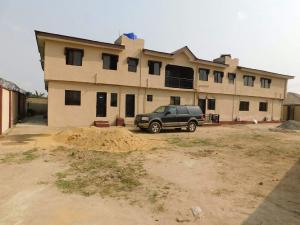 10 bedroom Flat / Apartment for sale Ijegun bus stop Ikotun Lagos. Akowonjo Alimosho Lagos