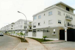 Shop Commercial Property for rent 72, Idiroko Road Sango Ota Ota-Idiroko road/Tomori Ado Odo/Ota Ogun