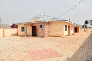 3 bedroom Flat / Apartment for rent Bale Adetunji Estate Ogun - 1