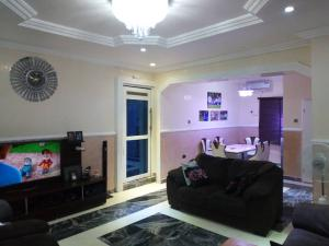 3 bedroom Detached Bungalow House for sale Close to voice Nigeria Lugbe Lugbe Abuja