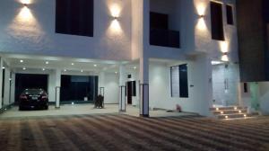 5 bedroom Massionette House for sale Bamishile Allen Avenue Ikeja Lagos