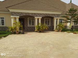 4 bedroom Detached Bungalow House for sale lugbe airport road abuja Lugbe Abuja