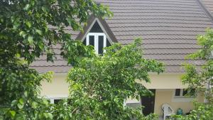 4 bedroom Detached Bungalow House for sale Hill Crest estate after Trademore Estate Lugbe Abuja