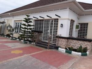 4 bedroom Detached Bungalow House for sale BILTMORE ESTATE AIRPORT ROAD BEHIND TRADEMORE. Lugbe Abuja