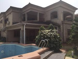 5 bedroom House for sale Thomas. Ajufo estate Akowonjo Alimosho Lagos