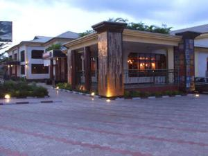 10 bedroom Commercial Property for sale Anthony way, Ikeja Lagos. Mobolaji Bank Anthony Way Ikeja Lagos