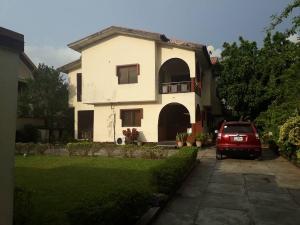 5 bedroom House for sale Medina Gbagada Lagos