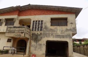 9 bedroom House for sale General Gas Area, Akobo Monatan Lagelu Oyo