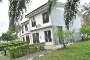 10 bedroom Hotel/Guest House Commercial Property for rent off Oba dosunmu Ikeja GRA Ikeja Lagos