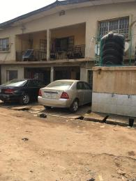 House for sale Pedro road  (famous bus stop axis ) Shomolu Shomolu Lagos