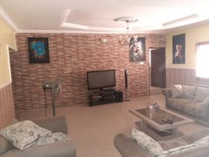 3 bedroom Detached Bungalow House for sale Trademore Lugbe Abuja