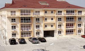 3 bedroom Shared Apartment Flat / Apartment for rent .......... Osapa london Lekki Lagos