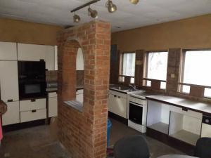 6 bedroom Boys Quarters Flat / Apartment for sale - Alagomeji Yaba Lagos