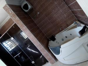 5 bedroom House for rent Eru afe street  Ikate Lekki Lagos