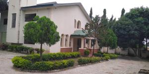 5 bedroom House for sale 7th avenue, off Living faith church, Gwarinpa,Abuja Gwarinpa Abuja