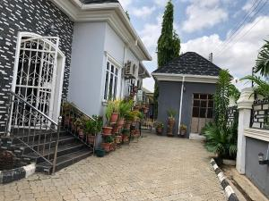 3 bedroom Detached Bungalow House for sale prince and Princess Estate, Kaura district Kaura (Games Village) Abuja