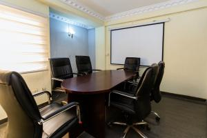 Private Office Co working space for shortlet Olukoleosho street. Obafemi Awolowo Way Ikeja Lagos