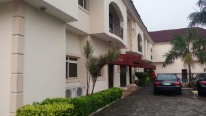 3 bedroom Flat / Apartment for rent Off Third Avenue Banana Island Ikoyi Lagos - 0