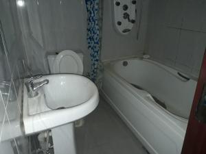 3 bedroom Flat / Apartment for rent Osapa London Lagos