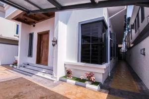 5 bedroom Detached Duplex House for sale Ademola, Osapa Osapa london Lekki Lagos